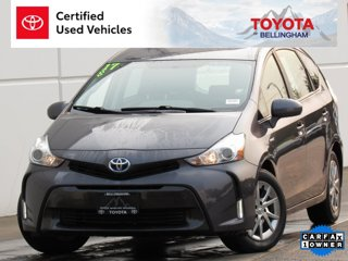 2017-Toyota-Prius-v-Three-5D-Wagon