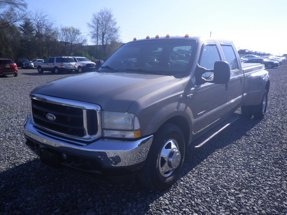 2002 Ford Super Duty F-350 DRW Lariat