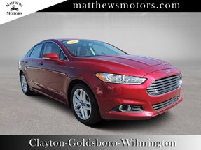 2016 Ford Fusion SE w/ Sunroof