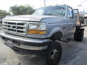 1997 Ford F-350 Chassis Cab REG CAB