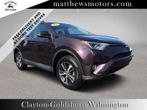 2017 Toyota RAV4 XLE AWD w/ Nav & Sunroof