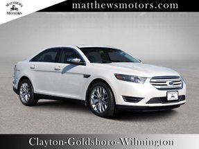 2017 Ford Taurus Limited w/ Nav & Sunroof