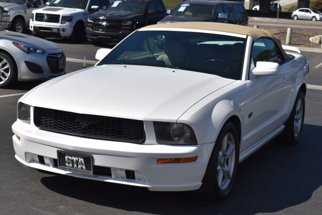 2006 Ford Mustang Convertible 2D
