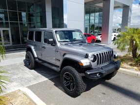 2020 Jeep Wrangler Unlimited Sahara Altitude