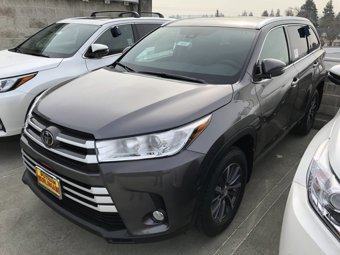 2019-Toyota-Highlander-XLE-V6-AWD