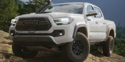 2020-Toyota-Tacoma-SR5-Double-Cab-5'-Bed-V6-AT