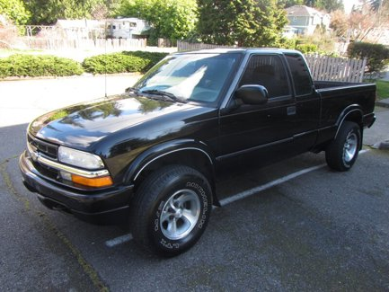 Used-2001-Chevrolet-S-10-Ext-Cab-123-WB-4WD-LS