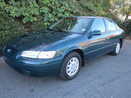 Used-1998-Toyota-Camry-4dr-Sdn-LE-Auto