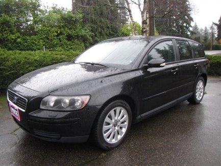 Used-2005-Volvo-V50-24i