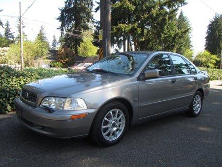 Used-2004-Volvo-S40