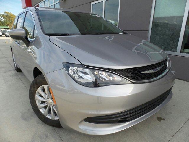 New 2017 Chrysler Pacifica, $33375