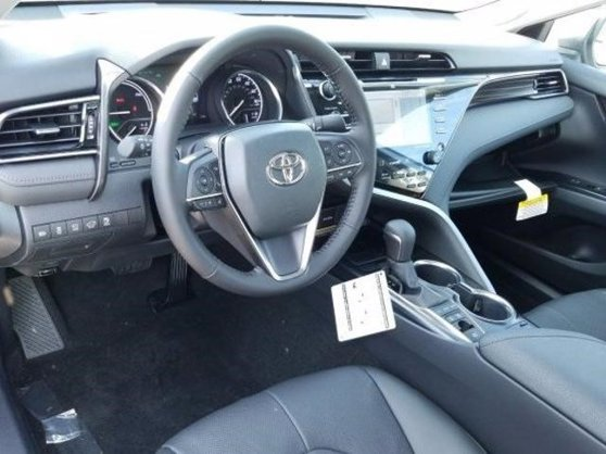 New 2020 Toyota Camry Hybrid in Van Nuys, CA