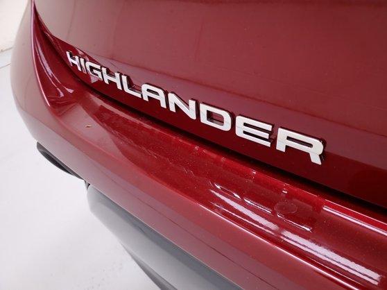 New 2020 Toyota Highlander in Houston, TX