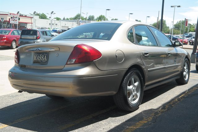 2003 Ford Taurus SES photo