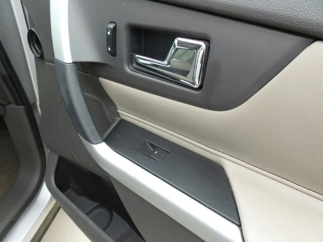 2013 Ford Edge SEL photo