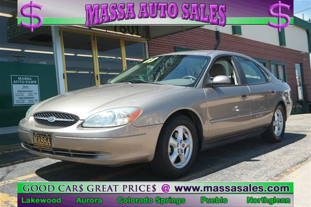 The 2003 Ford Taurus SES photos