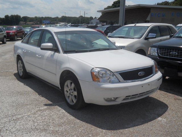 2006 Ford Five Hundred SEL photo