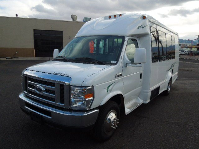 2014 Starcraft Bus Starquest 23'