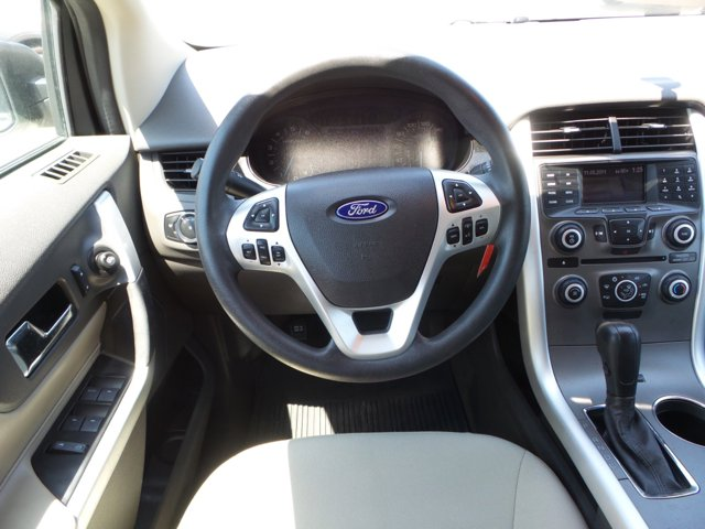 2013 Ford Edge SE photo