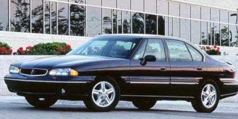 1998 Pontiac Bonneville SE photo
