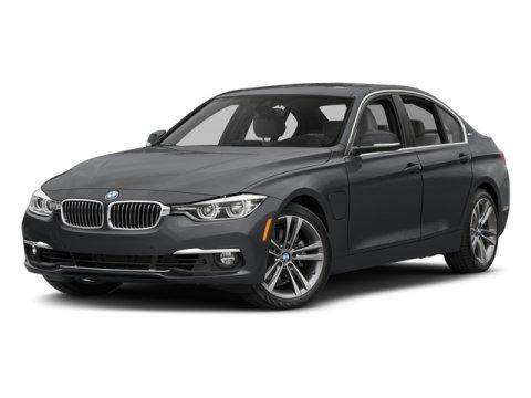 2018 BMW 3-Series 330e iPerformance photo