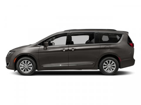 2018 Chrysler Town & Country Touring photo
