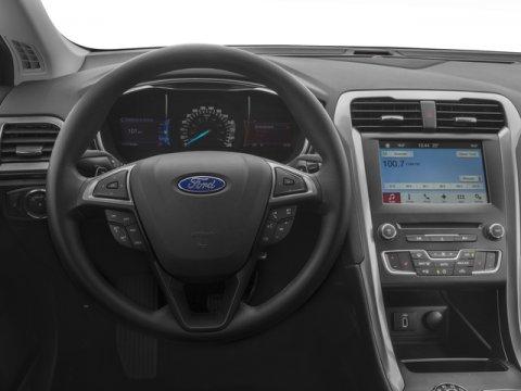 2018 Ford Fusion SE photo