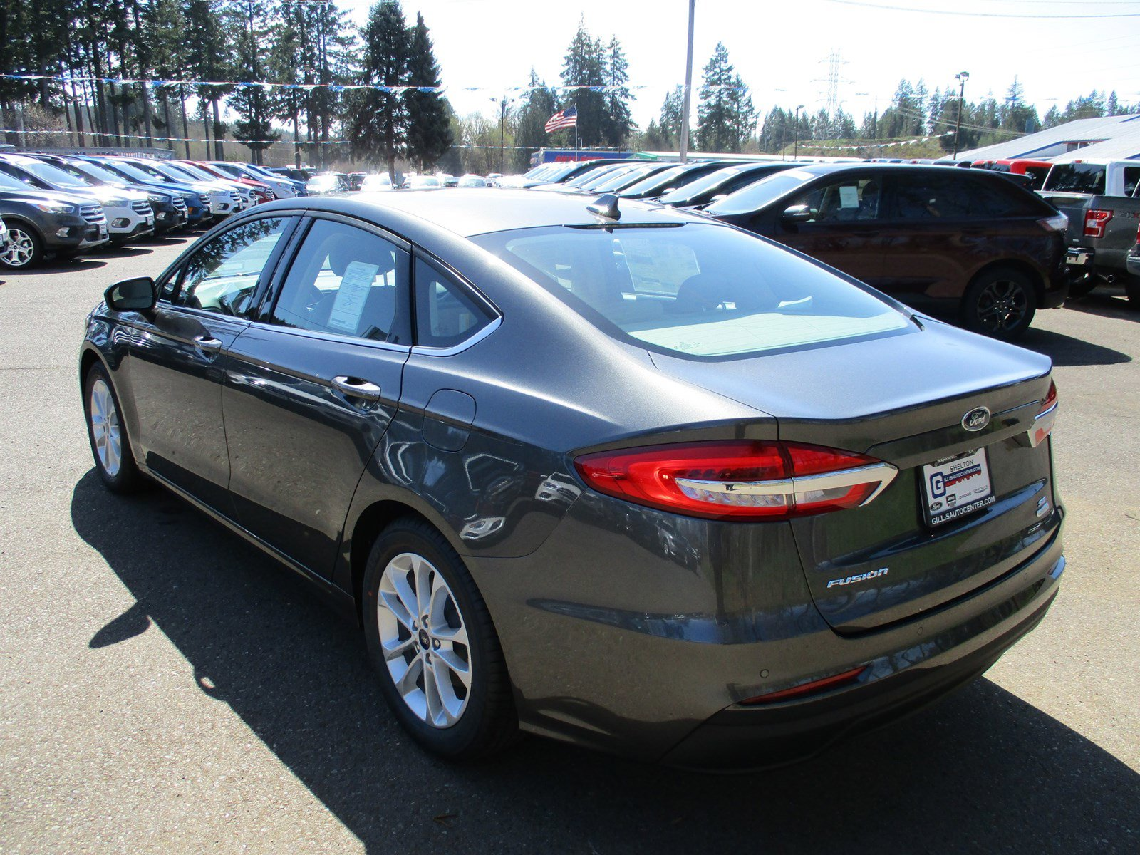 New 2019 Ford Fusion SE FWD