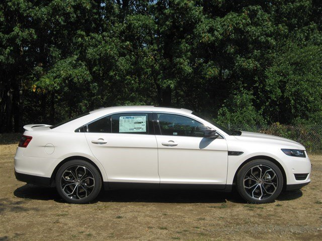 New 2015 Ford Taurus 4dr Sdn SHO AWD