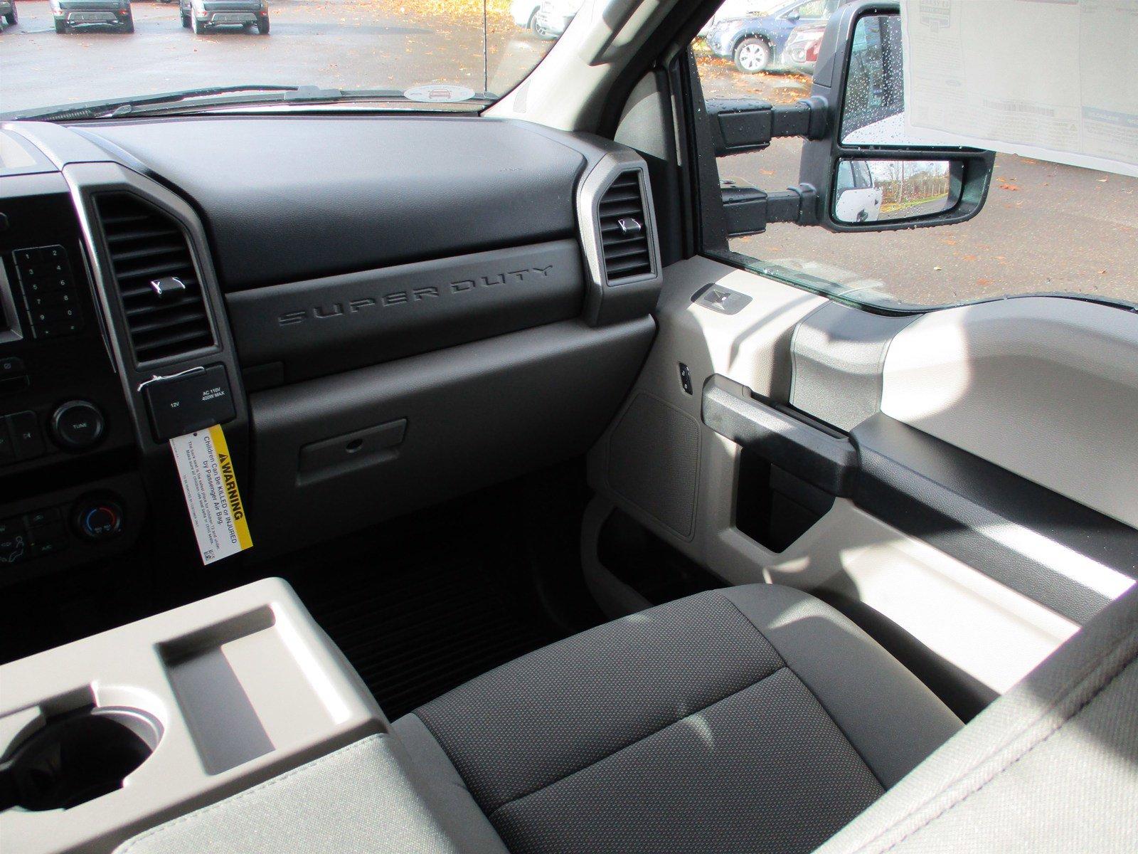 New 2020 Ford Super Duty F-250 SRW XL 4WD Crew Cab 8' Box