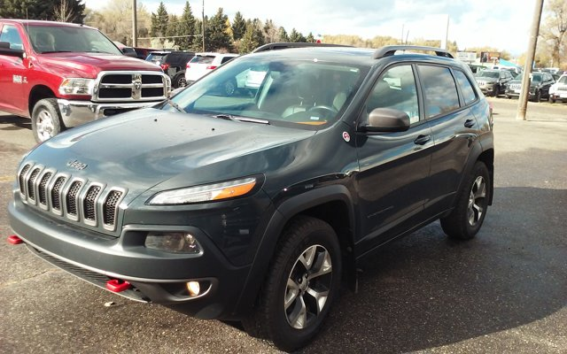 2016 Jeep Cherokee Trailhawk photo