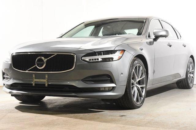 2018 Volvo S90 Momentum Leather interiorLike New exterior conditionLike New interior conditionLi