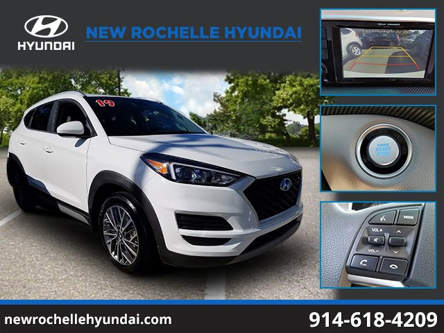 2019 Hyundai Tucson SEL DAZZLING WHITE CARGO COVER CARPETED FLOOR MATS MUDGUARDS FIRST AID KIT