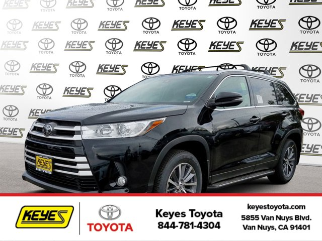 New 2019 Toyota Highlander in Van Nuys, CA