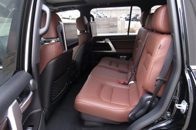 New 2017 Toyota Land Cruiser 4WD