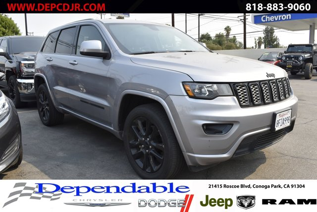2018 Jeep Grand Cherokee Altitude Altitude 4x4 *Ltd Avail* Regular Unleaded V-6 3.6 L/220 [9]