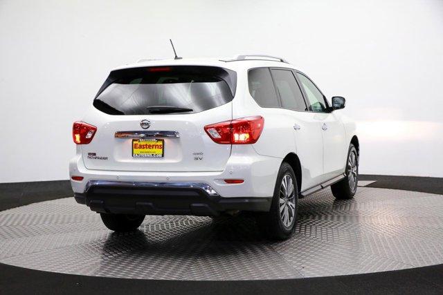 2018 Nissan Pathfinder for sale 122574 4
