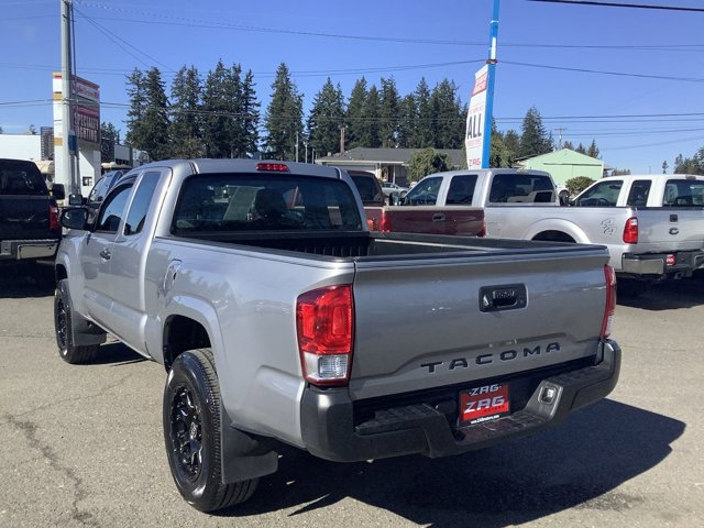 2017 Toyota Tacoma SR5 Access Cab 6' Bed I4 4x2 AT