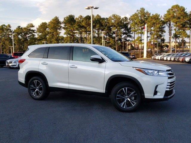 New 2019 Toyota Highlander in Daphne, AL