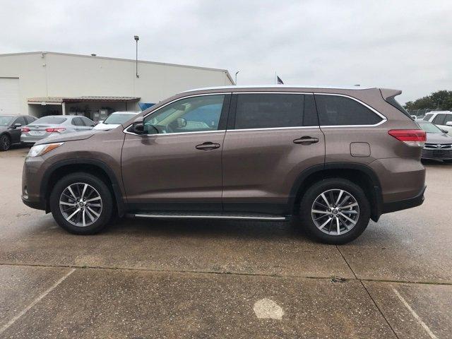 Used 2019 Toyota Highlander in Hurst, TX