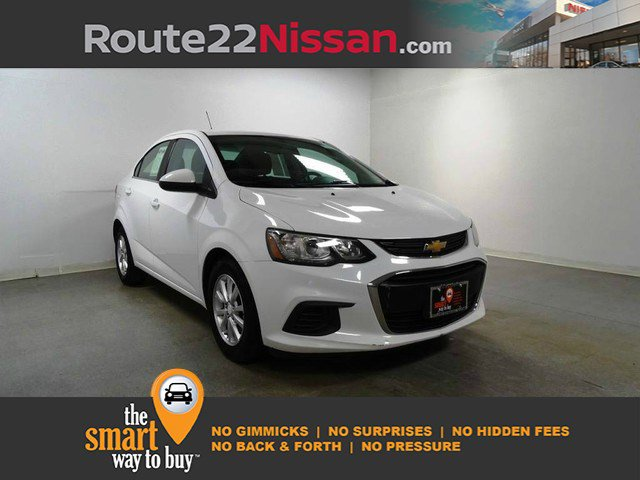 2017 Chevrolet Sonic LT 4dr Sdn Auto LT Gas I4 1.8L/110 [8]