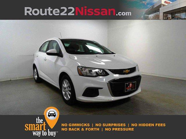 2017 Chevrolet Sonic LT 4dr Sdn Auto LT Gas I4 1.8L/110 [0]