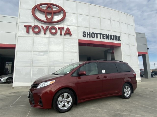 New 2020 Toyota Sienna in Quincy, IL