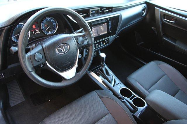 2018 Toyota Corolla LE 10