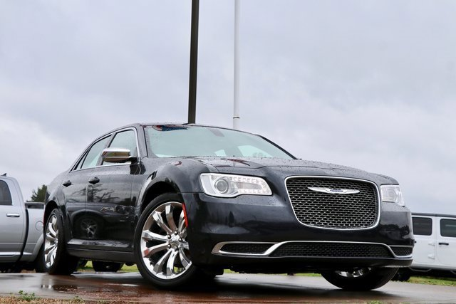 Used 2018 Chrysler 300 in , TX