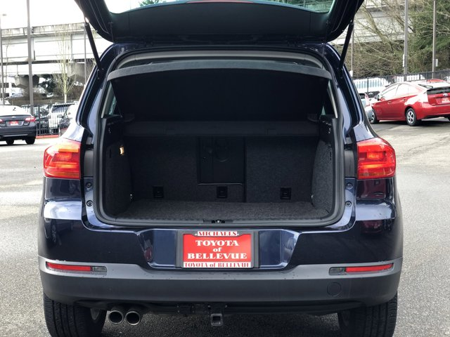 Used 2012 Volkswagen Tiguan 4WD 4dr Auto S w-Sunroof