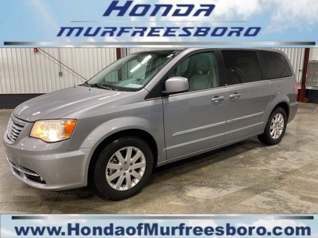 Used 2013 Chrysler Town & Country in Murfreesboro, TN