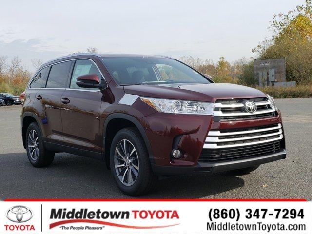 New 2019 Toyota Highlander in Middletown, CT