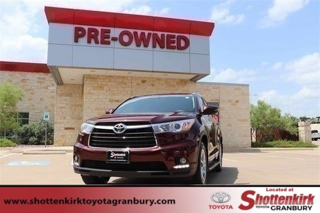Used 2016 Toyota Highlander in Granbury, TX