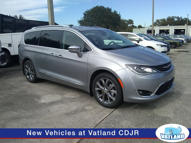 New 2020 Chrysler Pacifica in Vero Beach, FL